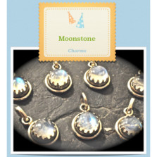 Dottie reconstructs old for new – A beautiful MoonStone bracelet